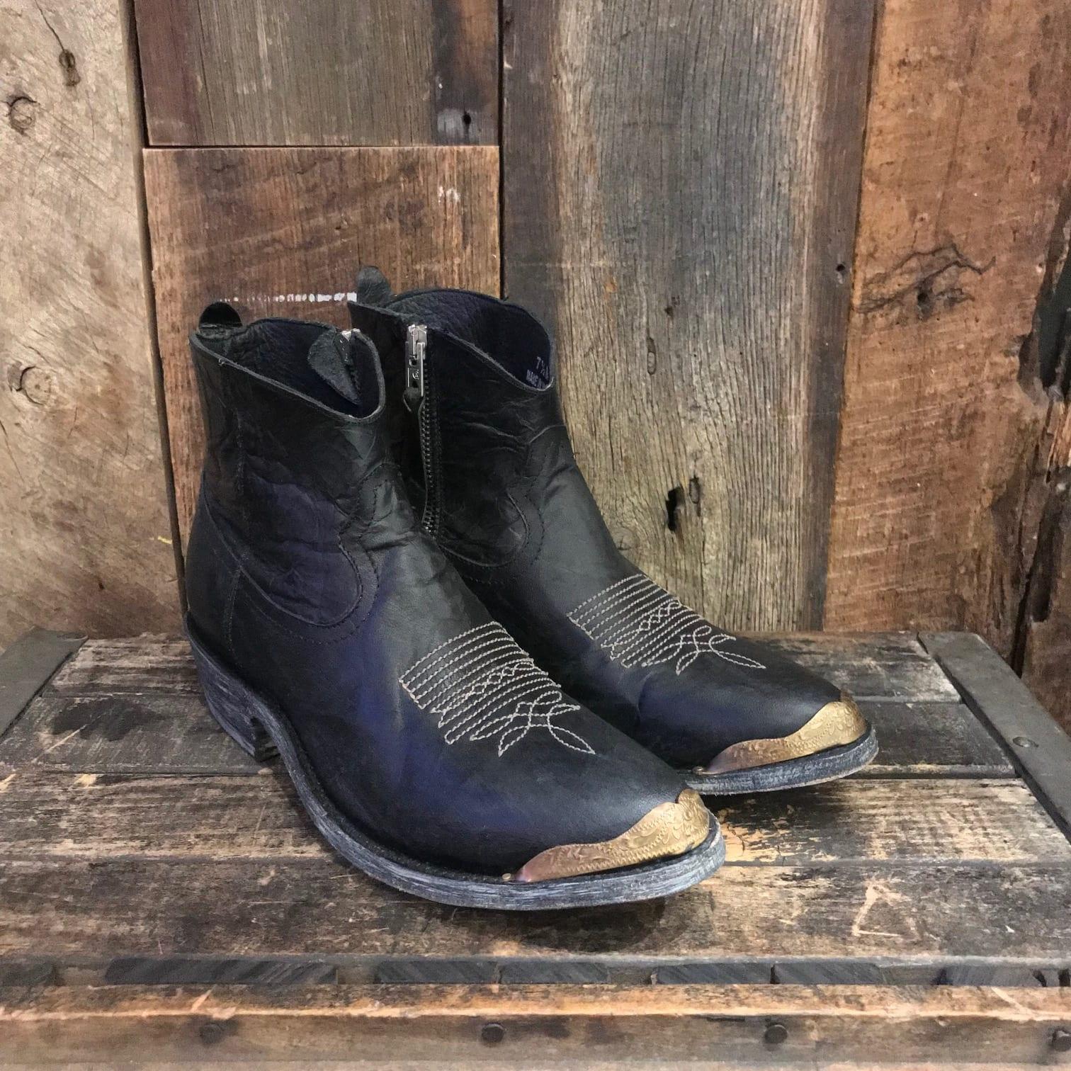 cb466f3b096 OLD GRINGO BLACK SHORTY BOOTS